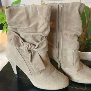 Qupid suede taupe Bow zip up boots.